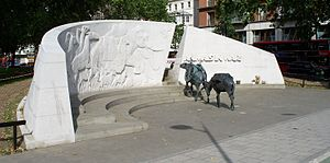 300px-Animals_in_War_memorial5
