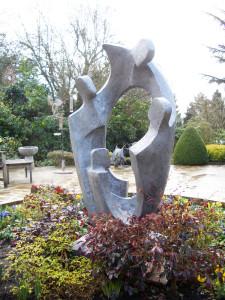 Family Circle ll. garden sculpture in aluminium resin