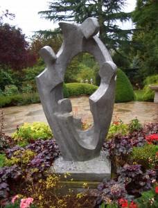 Choosing a garden sculpture